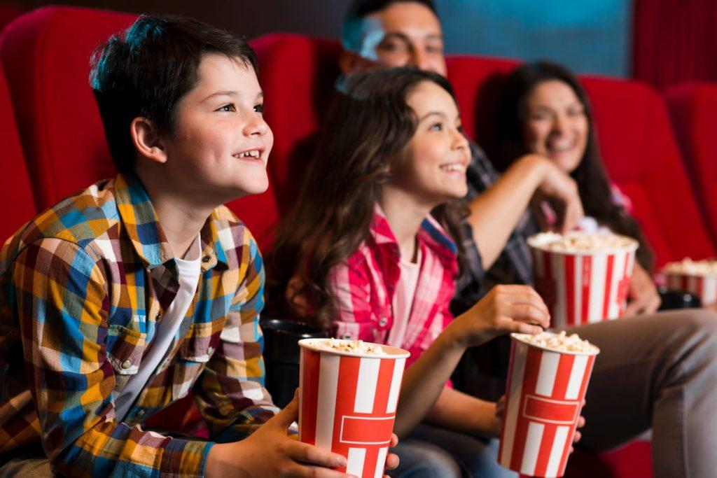a partir de que edad pagan los niños en el cine